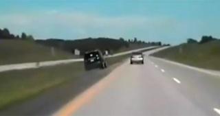 Evo što se dogodi kad se zaglavi gas na autocesti