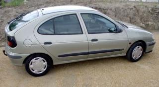 Renault Megane 1.9 dCi iz 2003. vibrira i trese
