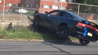 Nakon drift susreta zabio auto u ogradu!