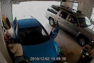Vozačica se isparkiravala iz garaže čak 10 minuta!