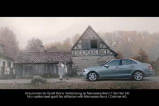 Kontroverzna reklama: Mercedes spasio svijet od Hitlera