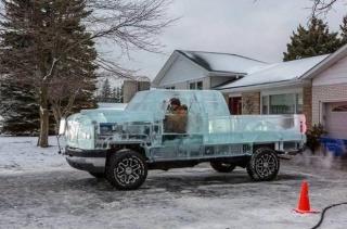 Evo kako izgleda vožnja automobilom napravljenim od leda