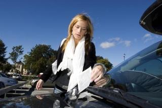 Može li mi zbog neplaćenih kazni za parking biti uskraćena registracija i prodaja vozila?