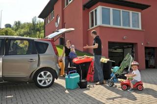 Deset savjeta za sigurnu vožnju u vrijeme godišnjeg odmora