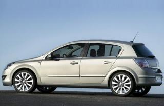 Opel Astra H teško pali