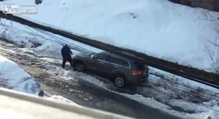 VIDEO: Većeg divljaka od ovog vozača dugo nismo vidjeli