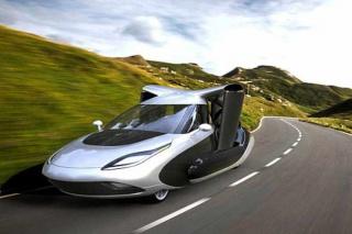 Krila skrivena u krovu: Toyota razvija leteći automobil