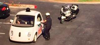 Nikad ne biste pogodili zašto: Policija zaustavila Googleov samovozni auto