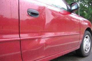 VIDEO: Ispravite udubljenje na autu uz pomoć sušila za kosu