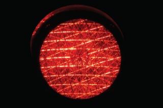 Sreća u nesreći: Pogledajte što se događa kada prelazite preko crvenog svjetla