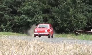 Pogledajte što sve može Fiat 126p u rukama profesionalca