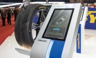 Goodyear predstavlja konceptualnu gumu IntelliGrip s naprednom tehnologijom senzora
