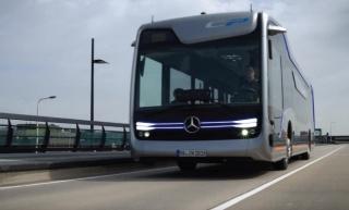Mercedes je predstavio autonomni futuristički autobus i isprobao ga na cesti