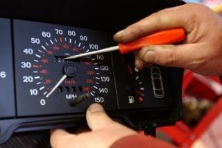 Na gotovo polovici automobila uvezenih iz Njemačke je skinuta kilometraža!