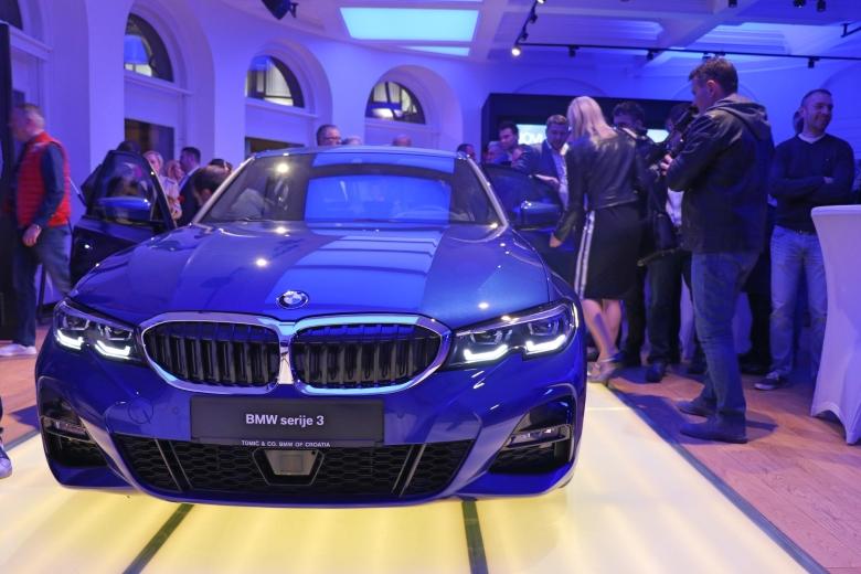 Potpuno novi BMW serije 3 zvijezda večeri u BMW Tomić City Store na Rooseveltovom trgu u Zagrebu