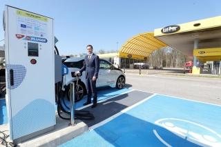 Tifon prvi u Hrvatskoj doveo brze punionice za električna vozila na ključne prometne koridore – autoceste A1 i A6
