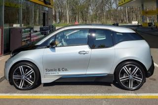 BMW i3 na otvorenju električne punionice