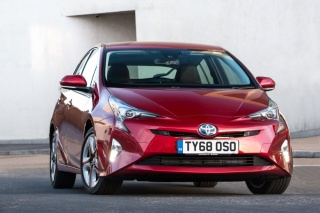 Trostruki uspjeh za TOYOTU PRIUS kroz nagrade DRIVER POWER AUTO EXPRESSA za 2019. godinu
