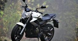 Yamaha XN6 Naked ABS, hitno