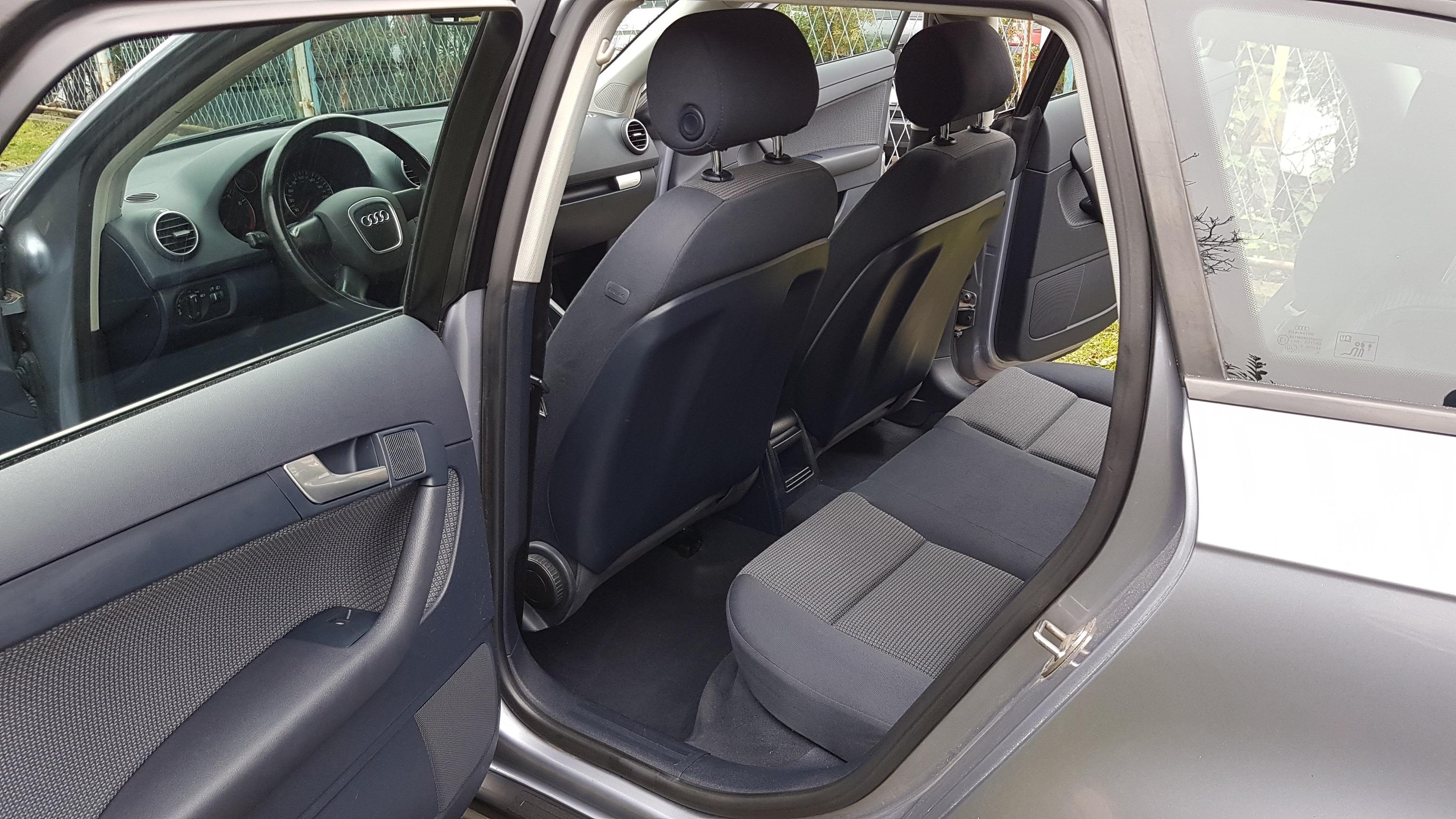 Audi A3 1.6 FSI SPORTBACK **6 BRZINA - 85KW**