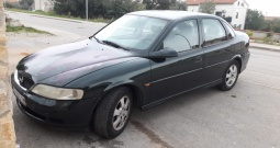 Opel Vectra 2.0 di. 900€
