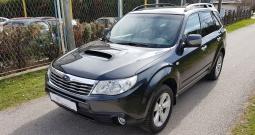 Subaru forester 2.0 td awd, navigacija, 6 brzina, kuka, ksenon