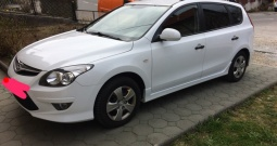 Hyundai i30 CW 1.6 CRDi dizel, savršeno stanje, upravo registriran