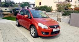 Suzuki SX4 1.5 GS benzin, full oprema + 2 seta novih guma i THULE nosač