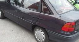Opel Astra, limuzina 2.vl, nove gume