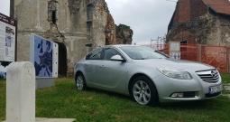 Opel Insignia 2.0 CDTI, automatic, servisna, big navi, park senzori, reg. 1 god.