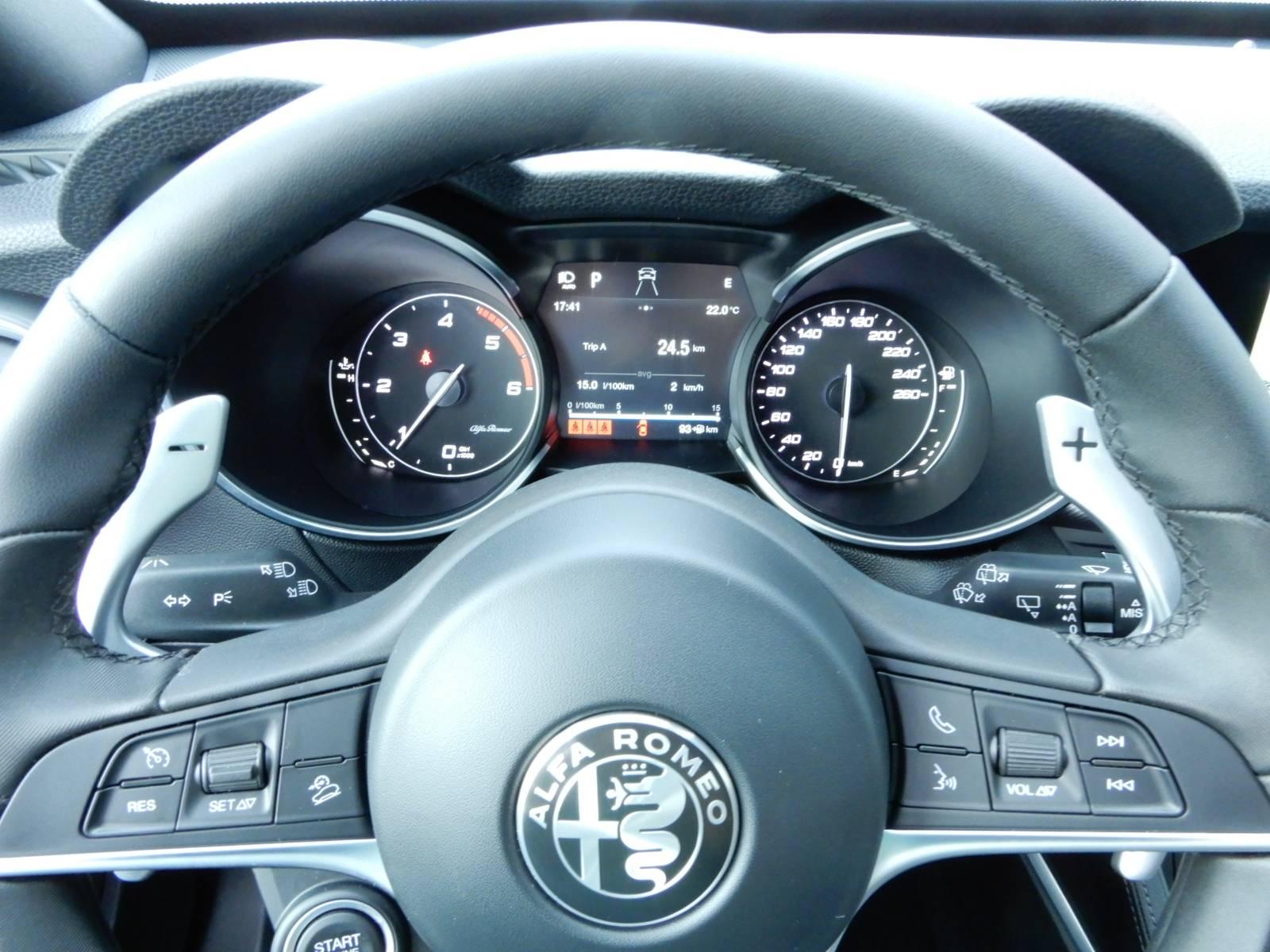 Alfa Romeo Stelvio 2.2 JTD 210 Q4 Veloce *AUTOMATIK, KAMERA*