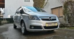 Opel Zafira Enjoy 1,9 CDTI može na kartice