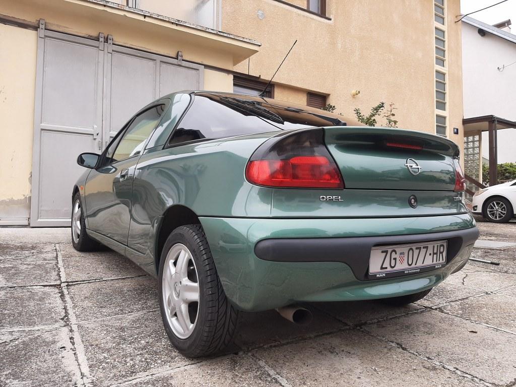 Opel Tigra 1.4. 16V - full oprema - 68.000 km