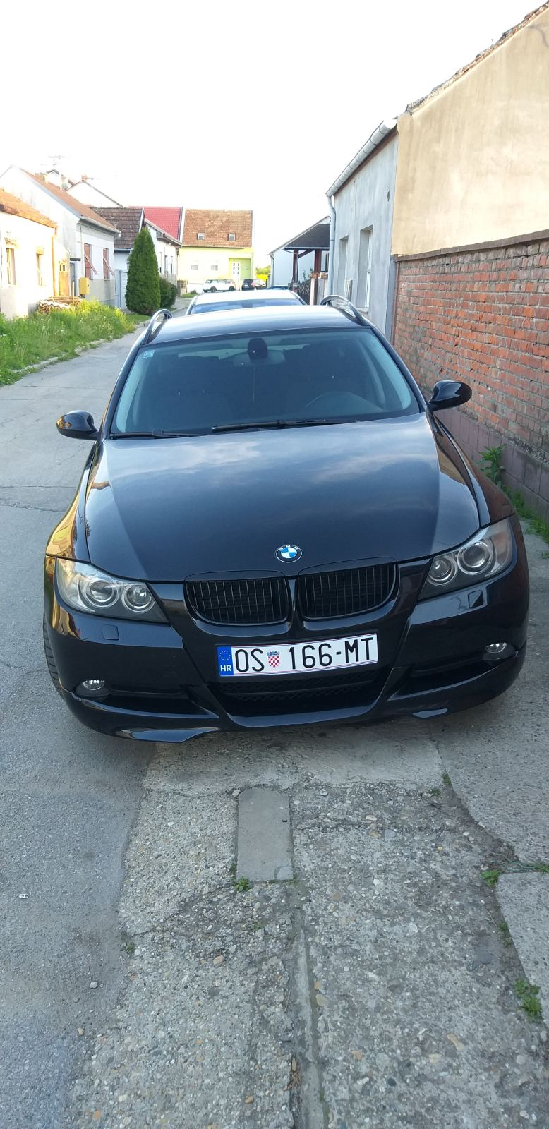 BMW serija 3 Touring 320d  M look, dark editi