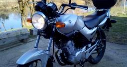 Yamaha 125 ( 2090 km )