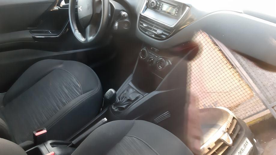 Peugeot 208 1,4 e-HDi 2014g bluetooth radio