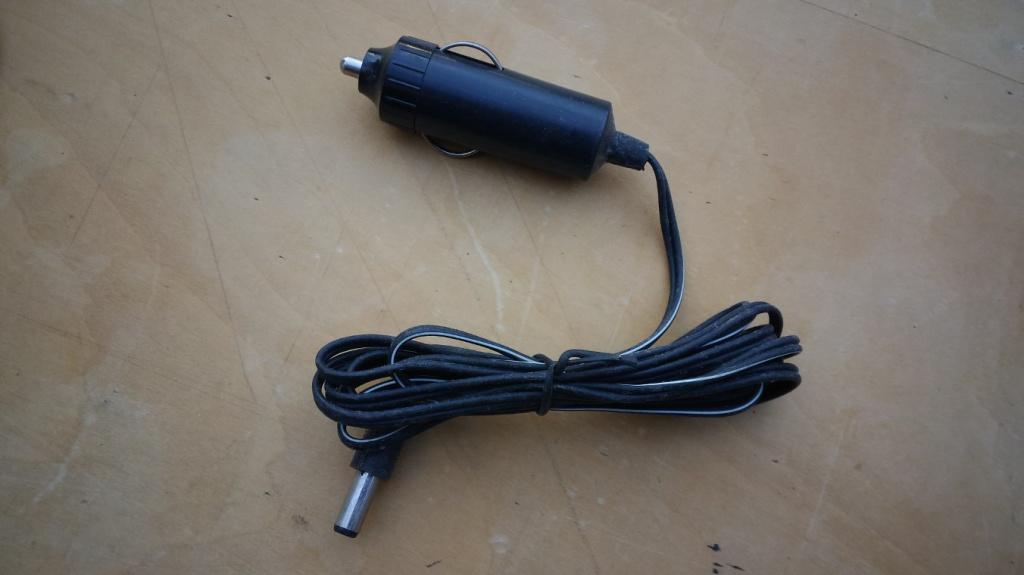 Adapteri za auto utičnicu, 4 komada
