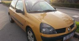 Zlatni Renault Clio
