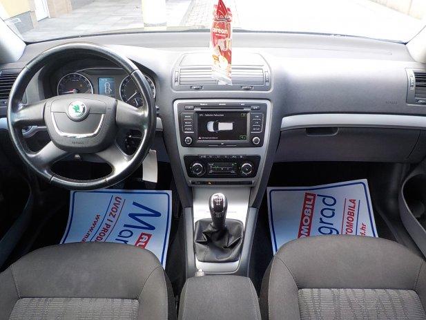 Octavia Combi 1,6 TDI,reg.7/18,puno opreme,MODEL 2012**KARTICE**RATE*