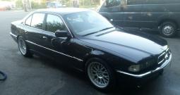 BMW 740 iA - full oprema, atestiran plin