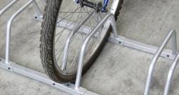 Stalak za bicikl VISO VELO1 broj montažnih mjesta=1 člik srebrna