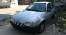 Opel Kadett 1.8
