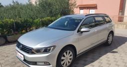 VW Passat Variant 1,6 TDI Multimedia,Keyless go,Novi model